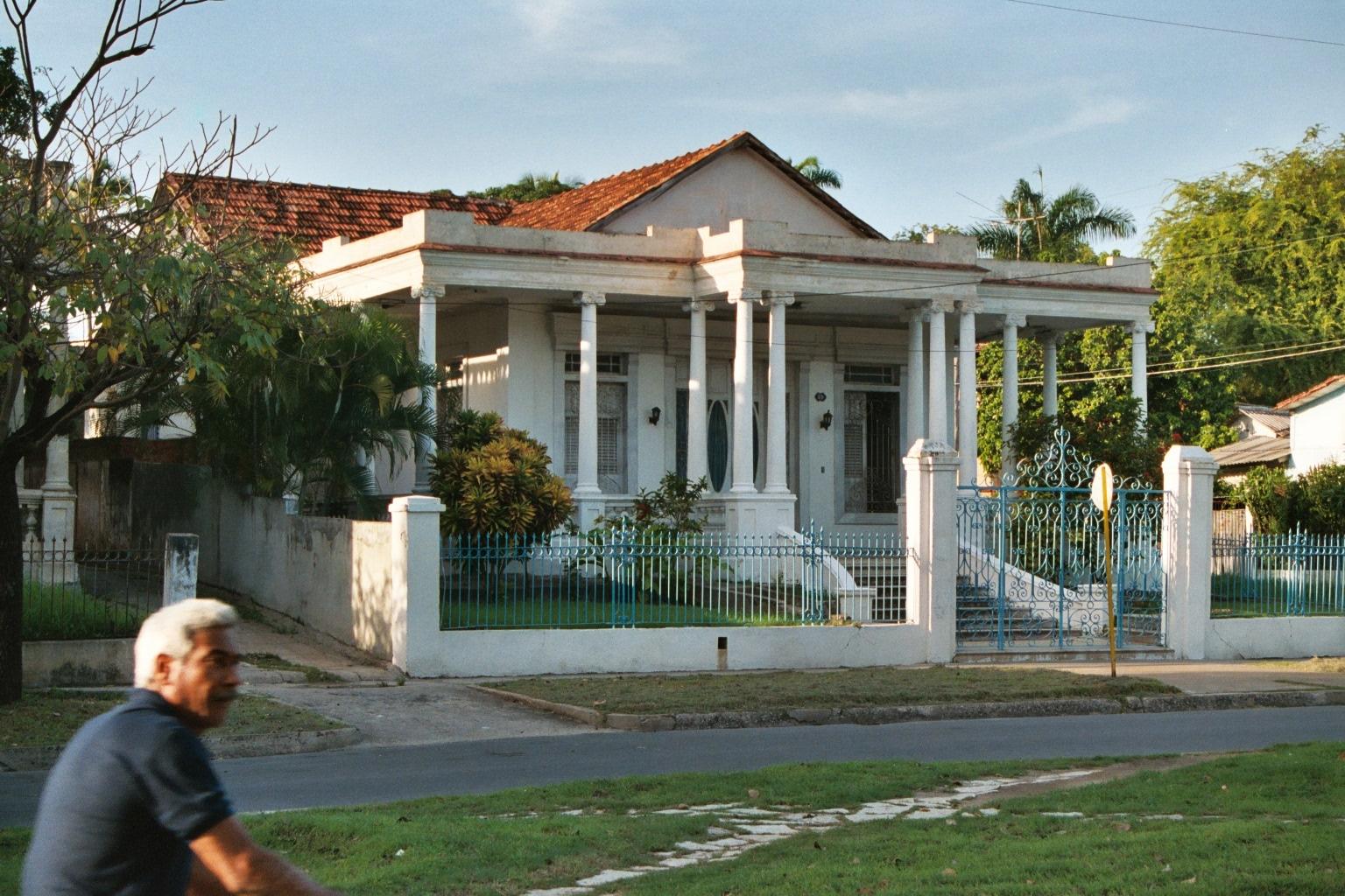 Chuchi 39 s homepage cuba 2002 maison coloniale for Plan maison coloniale